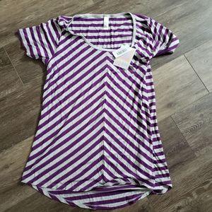 LuLaRoe Size M Classic T Shirt